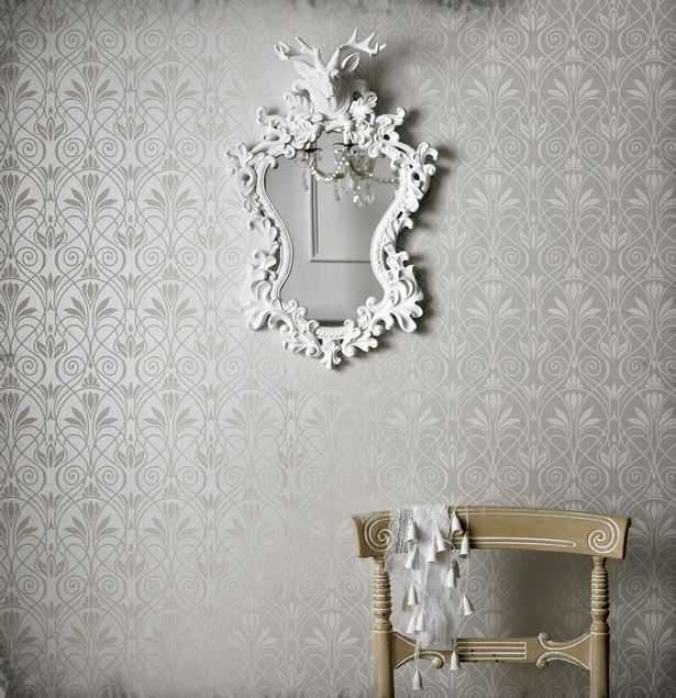 modern-wallpaper-for-home-interior-trends-2013-with-mirror-decoration