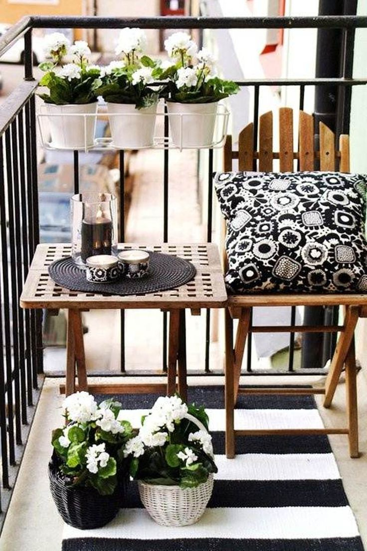 Styling a small balcony 1