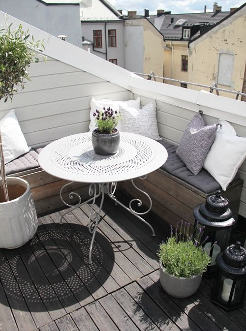 Styling a small balcony 3